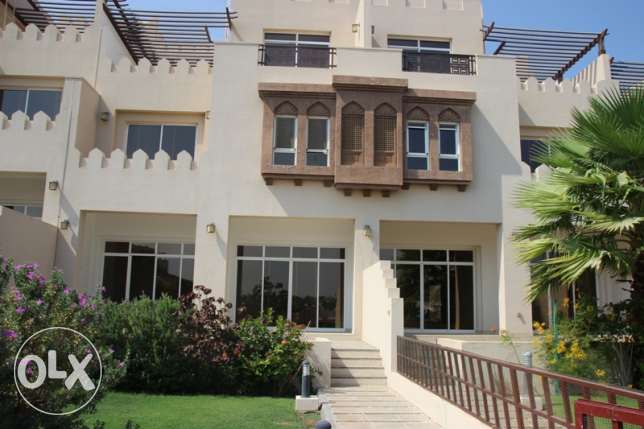 Qurum - 5 Bedroom Villa For Rent with Pool & Great Views