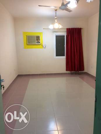 big room for rent! cheap price!! and good location مسقط -  4