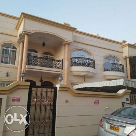 KK 402 Villa 4 BHK in Mawaleh South for Rent مسقط -  1