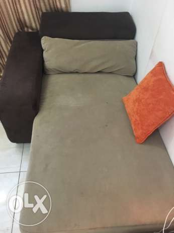 sofa 2 seater and bed with holder can be as table sid مسقط -  5