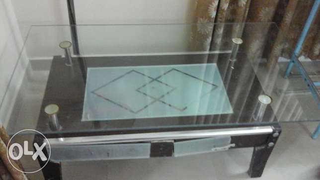 Glass table + 2 side tables مسقط -  1