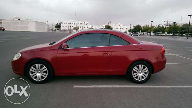 VW Eos 2008 Convertible Turbo dealer service low mileage as new مسقط -  4