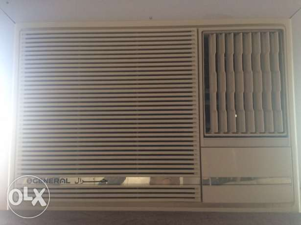 1.5 ton O General window AC for sale مسقط -  1