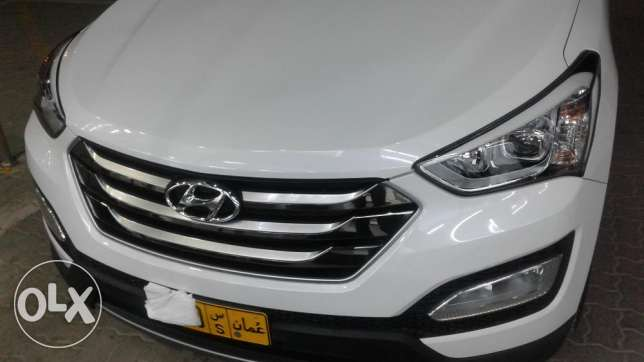 Doctor owned santafe 7seater 3.3 full option 2016 model السيب -  6