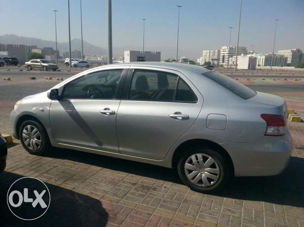 Toyota Neat and well conditioned expact driven car ready for immediate السيب -  2