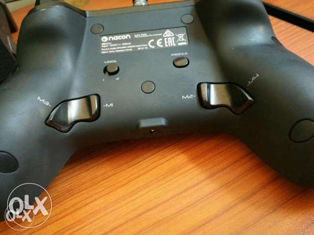 البيع جهاز nacon revolution pro controller (ps4)