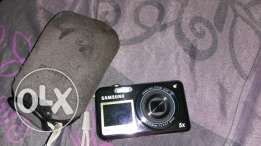 Samsung Digital Camera with front lcd screen