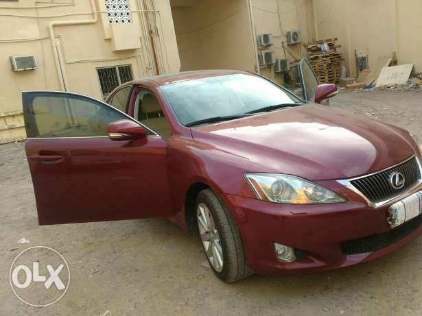 Lexus Car for sale, single owner, lady driven, only company service, u مسقط -  1