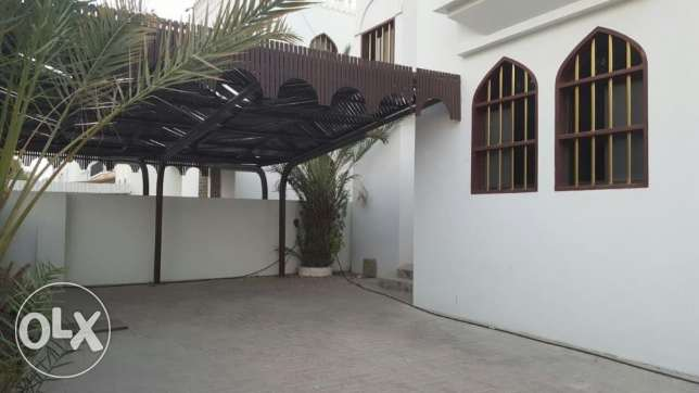 KP 213 Villa 5 BHK in Qurum for rent مسقط -  2
