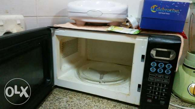 Sanyo Microwave immediate for sale and in good condition