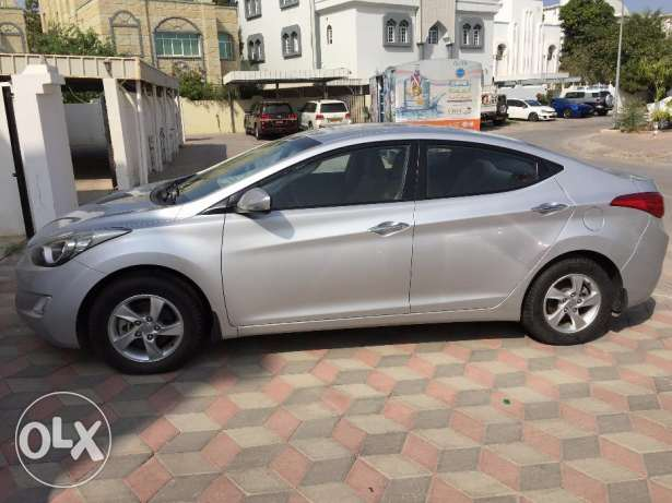 Hyundai Elantra 1.8 for Sale! مسقط -  3