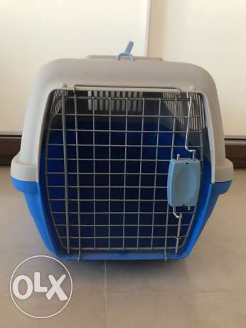 Excellent Deal on Dog or Cat Carrying Cage. Like New at Bargain price