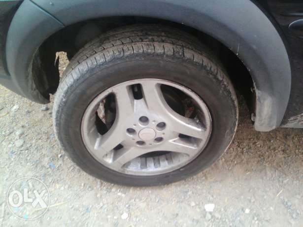 5 tires with rim مسقط -  5