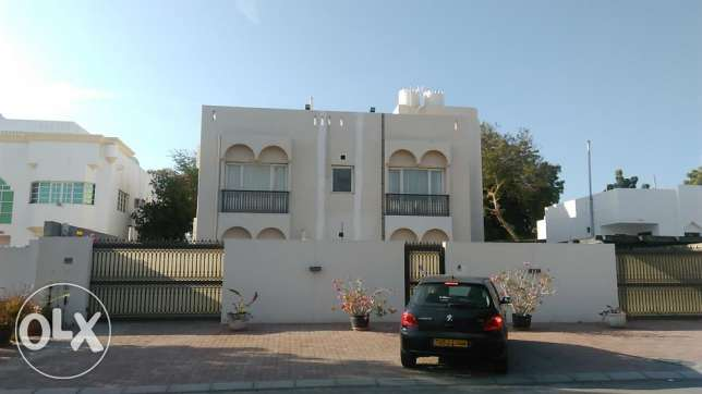 Al Háil North 4BHK Apartmént 1st Flr. FOR RENT near Oman Oil pp59