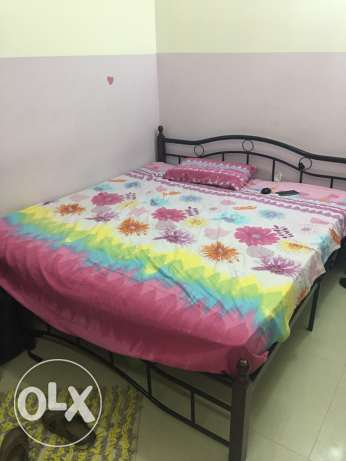 one double bed with matress for sale for omr 25 السيب -  3