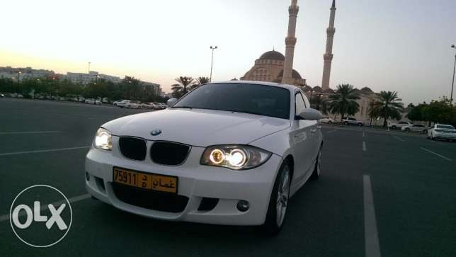 Pay 83 RO monthly for BMW 118i 2010 full agency service low mileage