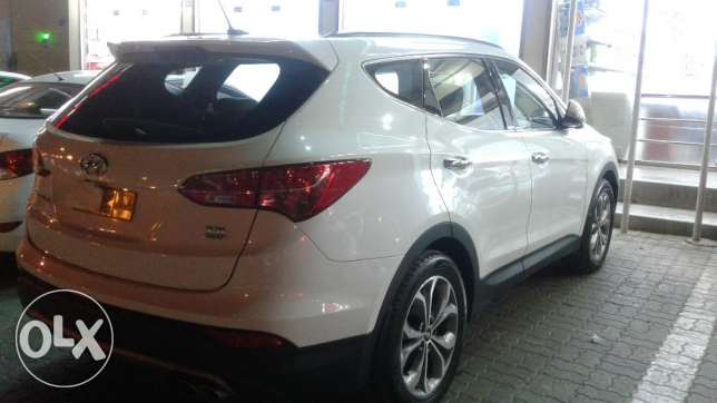 Doctor owned santafe 7seater 3.3 full option 2016 model السيب -  5