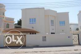 Al Hail North - Villa in excellent condition for rent