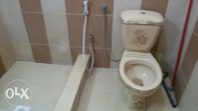 Room for rent in wadi adi bathroom and kitchen مسقط -  1