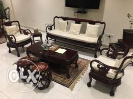 lounge set 5 seater with Center table for sale