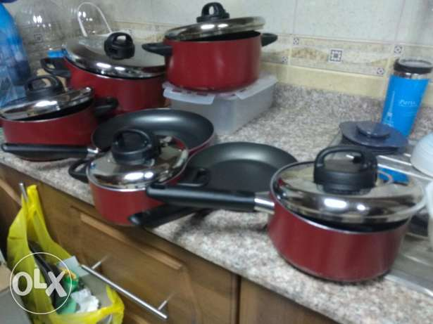 9 Pieces Cooking Pans ( Excellent Condition) - Same like new مسقط -  2