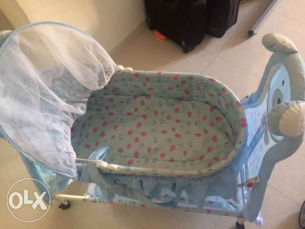 new baby cradle for sale,only one month used السيب -  2