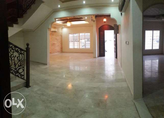 KK 402 Villa 4 BHK in Mawaleh South for Rent مسقط -  3