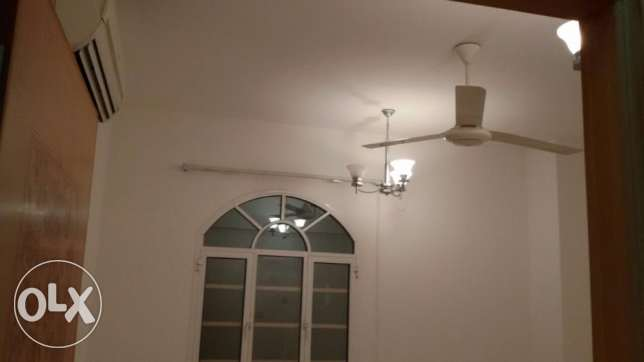 Al Khuwair nearby rawasco 1BHK abedroom hall kitchen