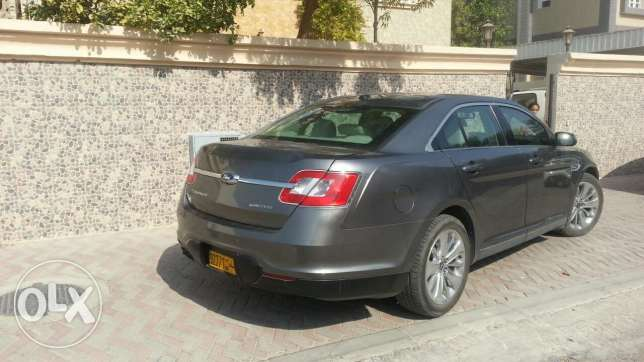 Ford Taurus For sale 3200 OMR