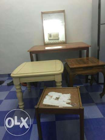 Big Table with 3side tables two chairs and a mirror in good condition. صلالة -  1