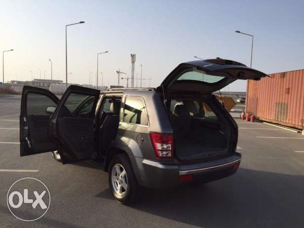 Jeep Grand Cherokee Limited V8 4.7 (GCC spec) مسقط -  1