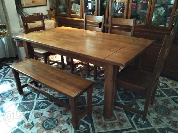 Wooden dining table (6 seater) مسقط -  1